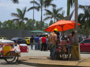 Workers stop for affordable lunch in Costa del Este